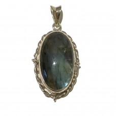 Labradorite Jemstone set in Sterling Silver