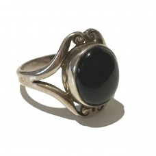 Black Onyx Jemstone set in Sterling Silver ( Size 11)