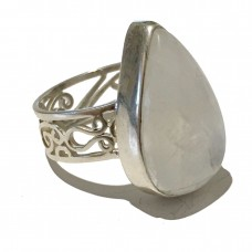 Moonstone jemstone set in Sterling Silver (size11)